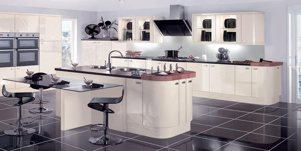 Gloss Fitted Kitchen
