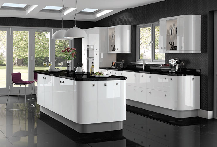 Gloss white fitted kitchens glossy white ready made for Black gloss kitchen ideas